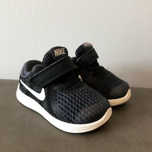 Nike toddler shoes size 3